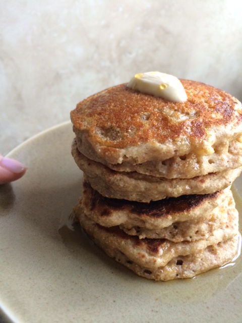 fluffy healthy banana oat pancakes